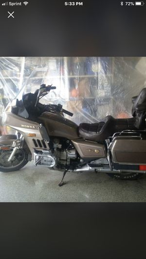 Honda gold wings motorcycle for Sale in Southgate, MI