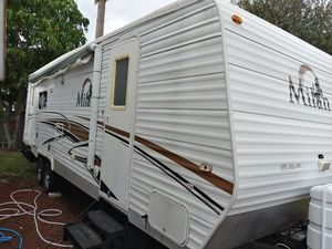 2009. 30ft travel trailer for Sale in West Palm Beach, FL