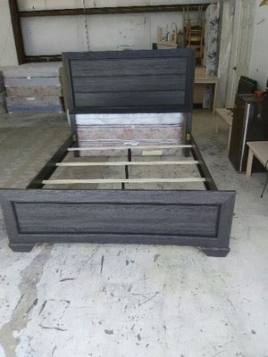 New gray queen bed frame for Sale in El Paso, TX