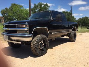 Chevrolet Silverado 4x4 for Sale in Seguin, TX