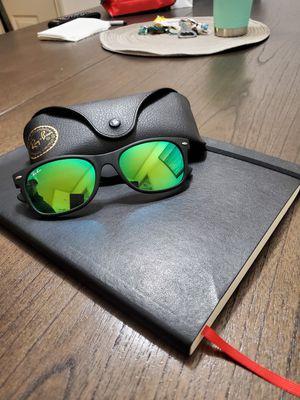 Sunglasses Ray Ban Wayfarer for Sale in Houston, TX