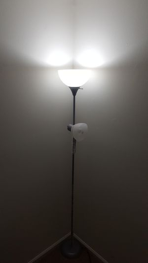"""Floor dual lamp 5'11"""" with natural day light bulbs for Sale in Columbus, OH"""