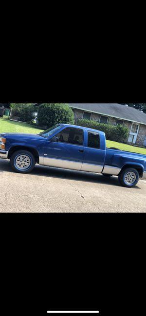 97 Chevrolet Silverado C1500 truck 1/2Ton 2WD 5.7 WILL TRADE ❗️for Honda, Toyota, or Nissan, or impala for Sale in Houston, TX