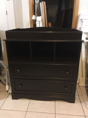 South Shore Savannah Changing Table with Drawers and Cubbies, Expresso for Sale in Staten Island, NY