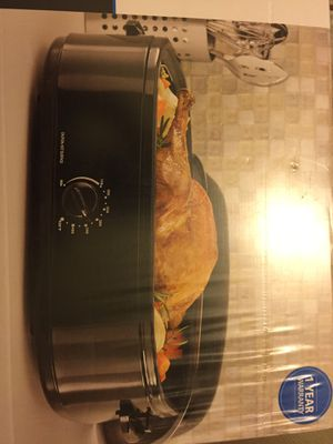 Brand new in plastic sealed box 14 quart Turkey Oven Roaster reduced to $40 firm Mesa for Sale in Mesa, AZ