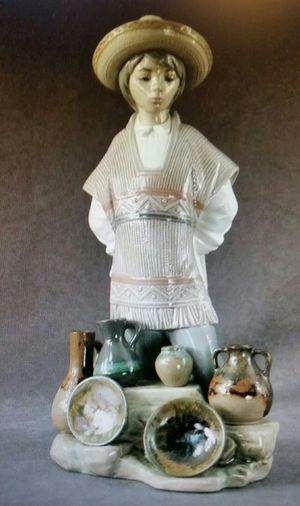 LLADRO' - Retired Porcelain Figurine for Sale in Kent, WA