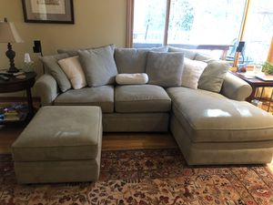 Beautiful sectional in excellent condition for Sale in Redmond, WA
