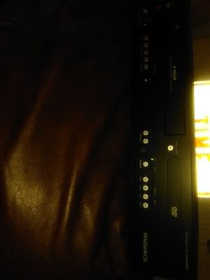 MAGNOVOX VCR/DVD PLAYER for Sale in Long Beach, CA