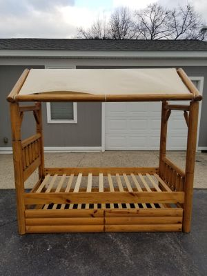 Log fort trundle bed. for Sale in Warsaw, IN