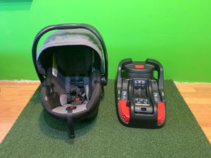 Britax Infant Car Seat (4-35 lbs) for Sale in Clearwater, FL