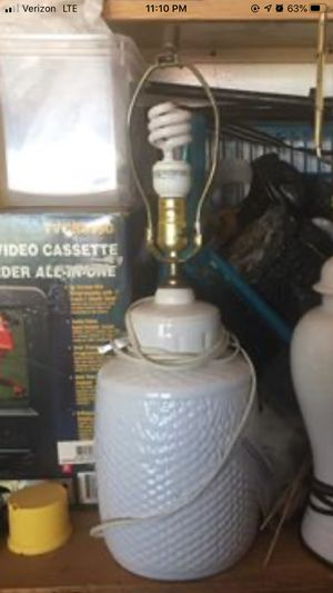 Lamp w shade for Sale in Cape Coral, FL