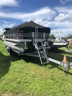 2017 Starcraft EX21 CF Pontoon Boat with 2018 Yamaha F90 and tandem axle trailer for Sale in Riverview, FL