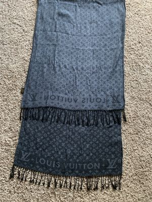 Louis Vuitton Scarf for Sale in Melbourne, FL