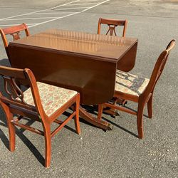 Antique Double Drop Leaf Dining Set - Delivery Available for Sale in Tacoma,  WA