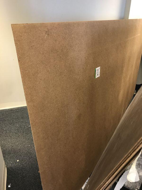Planchas de cartón tabla laminando