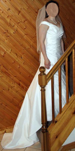 Beautiful Wedding Dress for Sale in Tarentum, PA