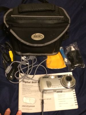 Cybershot camera with bag and 16mb memory card for Sale in Milton, FL