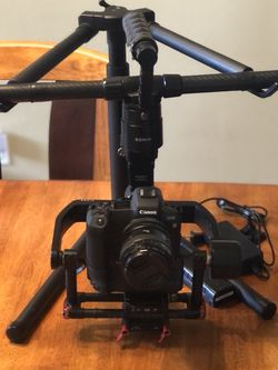 DJI Ronin M 3 Axis Handheld Gimbal Stabilizer Video / Mirrorless / DSLR Cameras for Sale in Wildomar,  CA