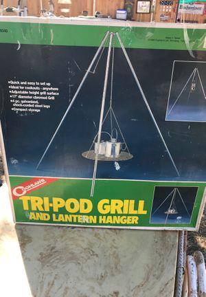 Tri-Pod grill and Lantern Hanger for Sale in Dallas, TX