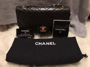 Authentic Chanel classic for Sale in Woodinville, WA