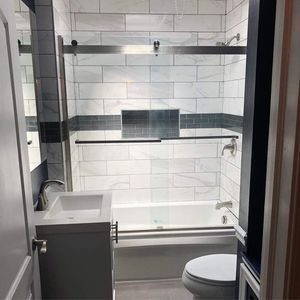 Fully redone bathroom for Sale in Bell Gardens, CA