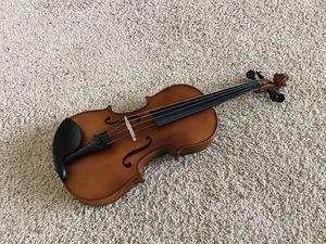 Mendini 4/4 MV300 Solid Wood Satin Antique Violin with Hard Case and Rosin (Full Size) for Sale in Kent, WA