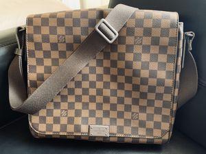 LV damier messenger bag for Sale in Los Angeles, CA