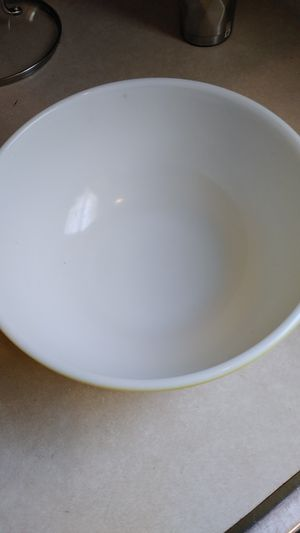 Large yellow 404 Pyrex bowl. A-22 for Sale in Charlotte, NC