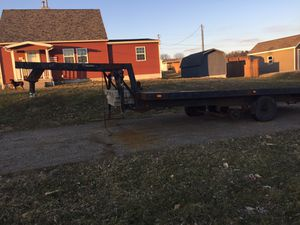18x 8 5th wheel trailer converted to gooseneck for Sale in Duncan Falls, OH