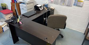 2 office desk left for Sale in Miami, FL
