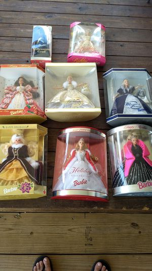 6 Holiday Barbies, Millennium Grad & Birthday Barbie for Sale in Davie, FL