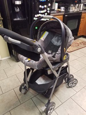 Chicco Infant Car Seat / Carseat Travel System for Sale in Grand Prairie, TX