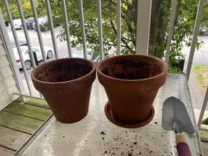 Plant pots FREE for Sale in Burlington, MA