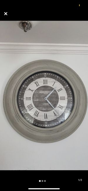 Decor Wall Clock for Sale in Germantown, MD