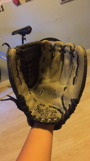 Baseball Glove 11 1/2 for Sale in Riverbank, CA