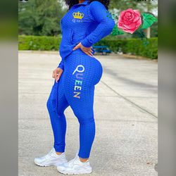 Solid Textured Dual Pocket Sports Jacket & Ruched Leggings Set With Mask for Sale in Stone Mountain,  GA