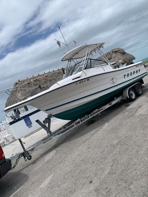 Boat 1996 Bayliner Trophy 23 ft for Sale in Miami, FL