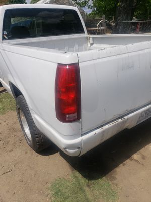 Chevy truck short bed 1988 for Sale in Long Beach, CA