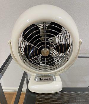 Vornado V-Fan vintage white in excellent condition for Sale in Los Angeles, CA