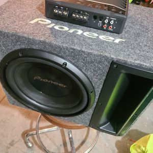 12 Inch Woofer, Box And Bass Amp for Sale in Wilmington, DE