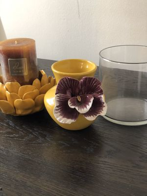 2 vases and one candle holder decor bundle for Sale in Chicago, IL
