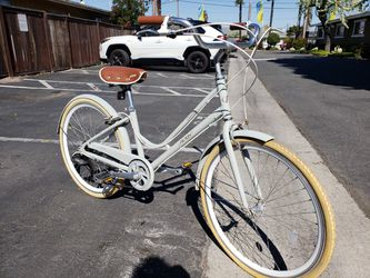 Classic Classy City Style Beach Cruiser 7 Speed Alloy Frame 26 for Sale in HUNTINGTN BCH,  CA
