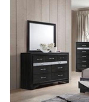 comoda dresser for Sale in Hialeah, FL