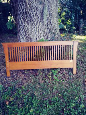 Queen bed frame for Sale in Fort Meade, FL