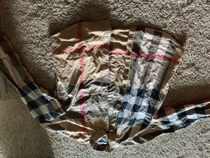 Burberry size XL for Sale in Pinellas Park, FL