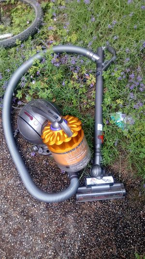 Dyson DC39 Canister Vacuum w power wand & hose for Sale in Everett, WA