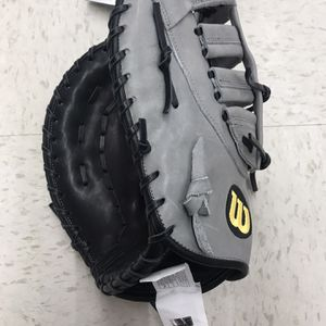 A2000 First base Glove LHT for Sale in Westlake, OH