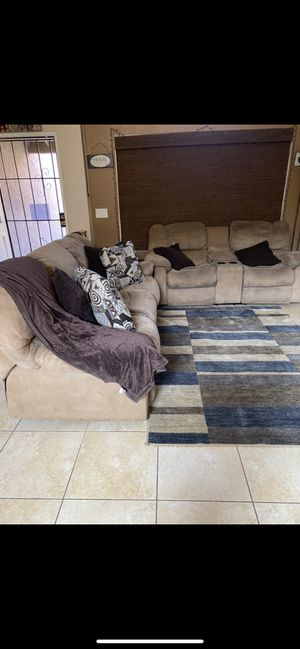 Free couch set for Sale in Moreno Valley, CA