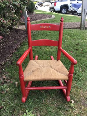 Adorable ANTIQUE children's ROCKING CHAIR for Sale in Nashville, TN