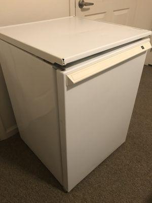 GE Mini Fridge for Sale in Wichita, KS